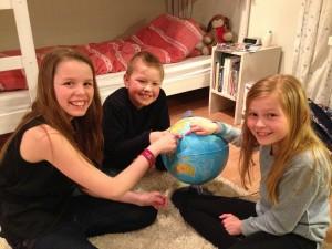 Krstine Elisabeth, Ask og Maja gleder seg til å dra på barneleir
